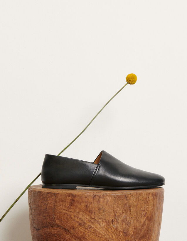 Leather Slippers : Shoes color Black