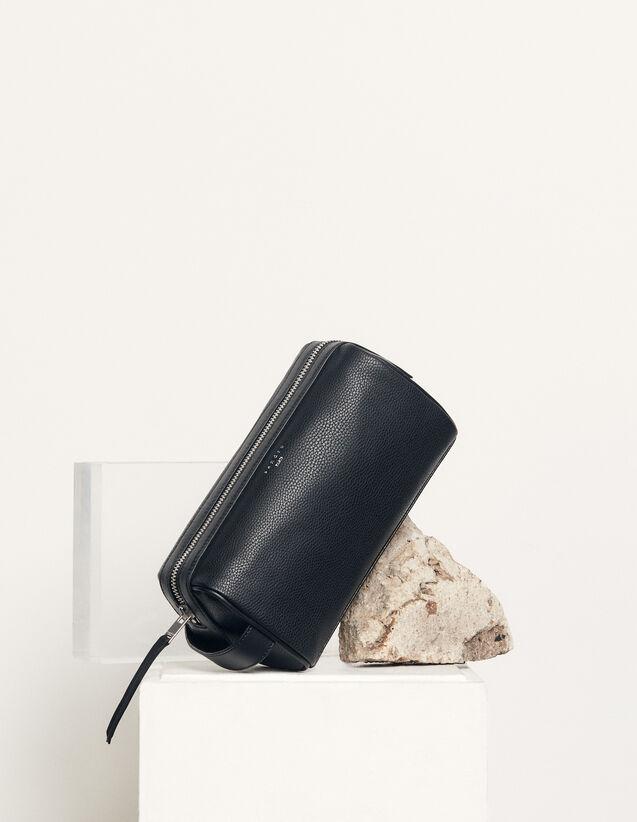 Toiletry Bag : 包袋 color Black